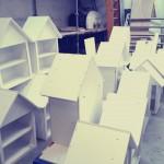 De Minibieb kasten in de werkplaats van Visie-R